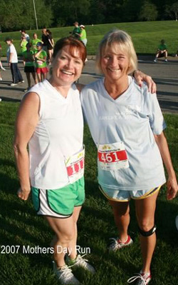 Photo of Stacey Riggins and Ellen Young at the Motehr's Day Run.
