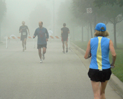 Photo of foggy morning at 2009 Leawood Labor Day Run.