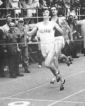 Photo of Marty Liquori and Jim Ryun in the 1971 Dream Mile.