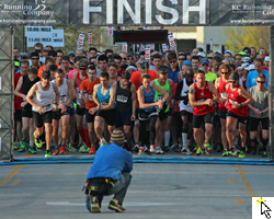 Start of the Kansas Half Marathon and link to Flickr slideshow.