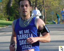 Link to the Flickr slideshow for the April 28 Head for the Cure Run in Lawrence, Kansas.