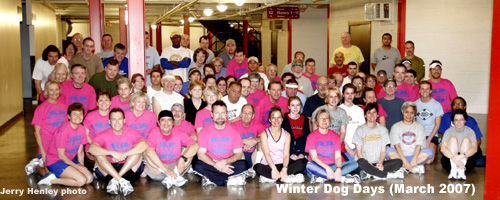 photo of 2007 Winter Dog Days Group at Allen Fieldhouse